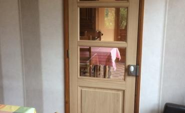 Renovation d'une porte en bois sur mesure à Lille dans le Nord (59)